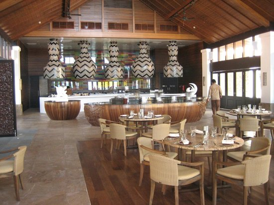 The Empire Hotel & Country Club: Seafood Restaurant