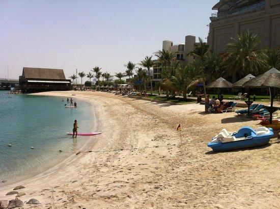 Beach Rotana - Abu Dhabi : The beach had water sports on offer