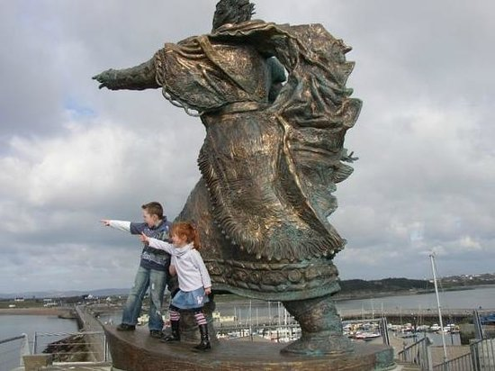 Tralee, Ierland: St. Brendan Statue at Fenit Pier