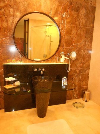 Al Raha Beach Hotel: Bathroom