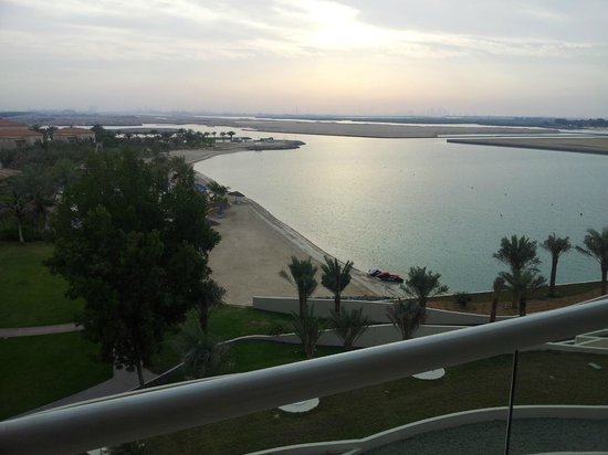 Al Raha Beach Hotel: Beach view