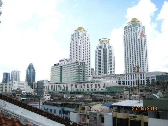 Indra Regent Hotel: Look out of other buildings and Hotels