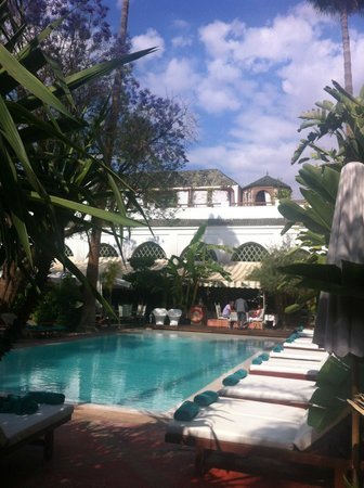 Les Jardins de la Medina: view towards pool/dining room/spa