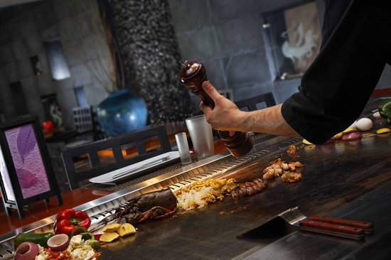 Cairo Marriott Hotel & Omar Khayyam Casino: Torii the gateway for Teppanyaki
