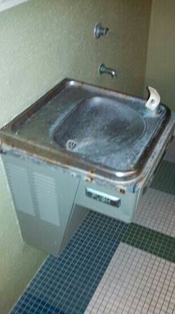 Oconomowoc, WI: drinking fountain at pool