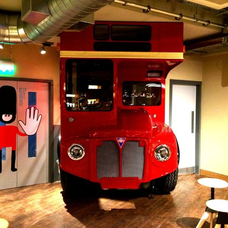 Generator Hostel London: Bar - party bus