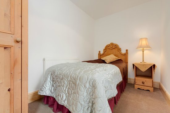 Ashbourne, UK: COURTYARD SELF CATERING SINGLE ROOM
