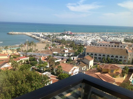 Sol Aloha Puerto: View from 9th floor balcony towards harbour/marina