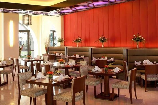 Duqm, Oman : Souq All Day Dining Restaurant