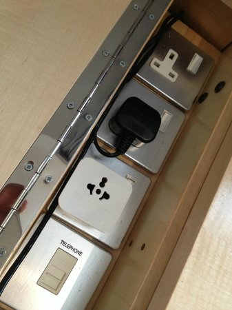 Andaz Liverpool Street: Sockets in business desk