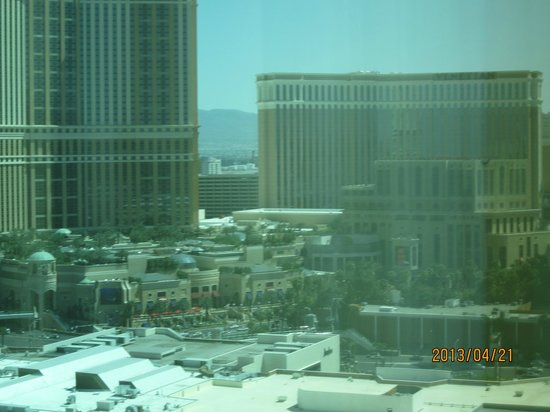 Trump International Hotel Las Vegas: View of Venetian from room