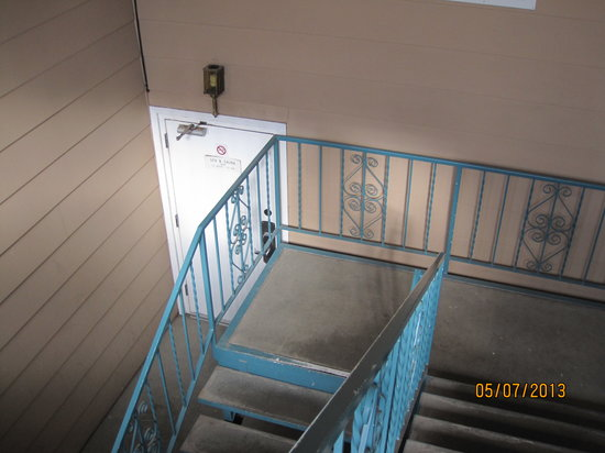 Ramada Limited Durango: Downstairs entrance to Spa