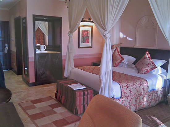 Lake Victoria Serena Resort: Comfortable room