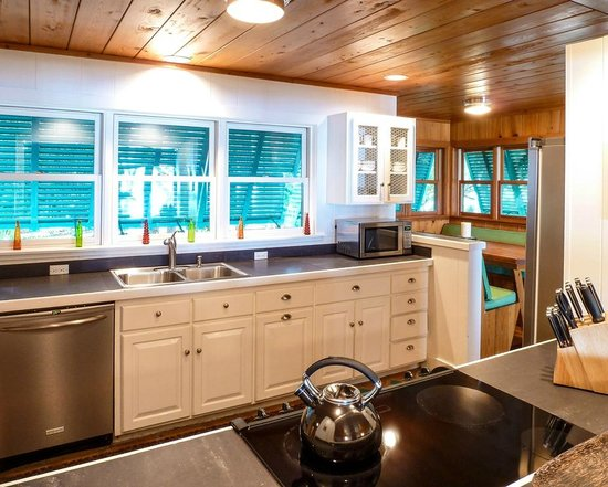 The Moorings Village and Spa: Cottage Kitchen