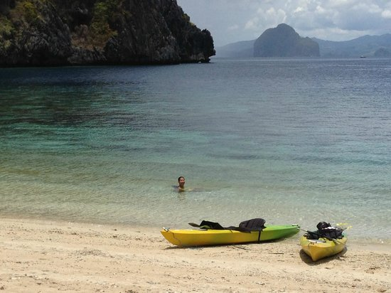 El Nido Resorts Miniloc Island: Two little beaches around from main resort