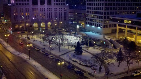 InterContinental Milwaukee: View of Red Arrow Park Skating Rink from our room