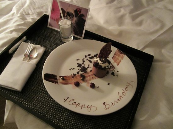 Four Seasons Hotel Vancouver: Birthday surprise