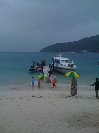 Perhentian Tuna Bay Island Resort: View from the restaurant of Tuna Bay Resort