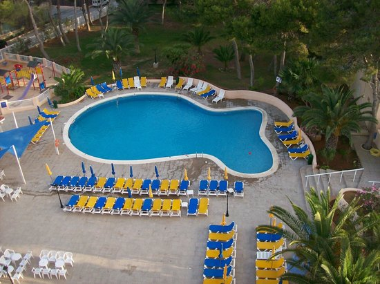 Invisa Hotel Ereso: Pool one