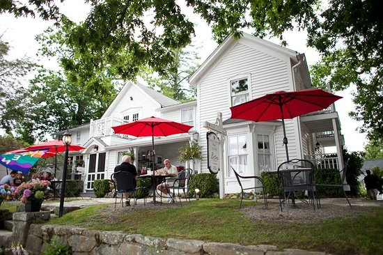 Main Street Inn Highlands: Bistro Seating