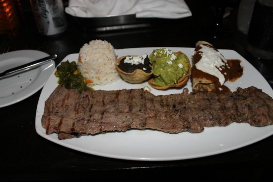 Hyatt Regency Cancun: My Arrachera steak dinner with rice and beans