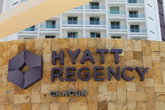 Hyatt Regency Cancun: Entrance