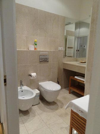 MyHouse Apartments: Mozart bathroom