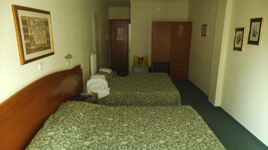 Vergina Hotel Thessaloniki: Triple room