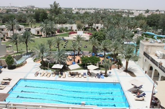 Hilton Al Ain: Pool View - Hiton Al Ain