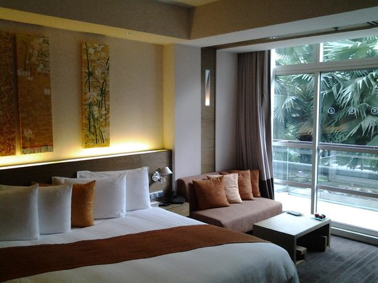 Pullman Bangkok King Power: Chambre tout confort