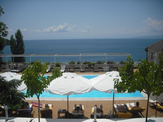 Agia Paraskevi, Grecia: Great pool and breathtaking views