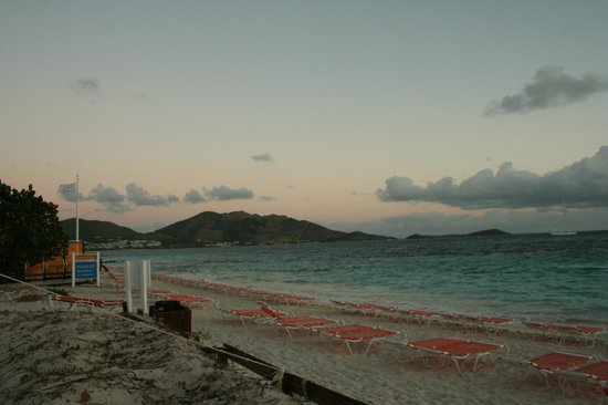 Club Orient Resort: Orient Bay. The beach at Club O