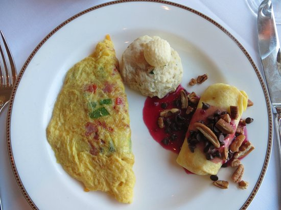Inn on Biltmore Estate: Breakfast buffett! Part of the package deal