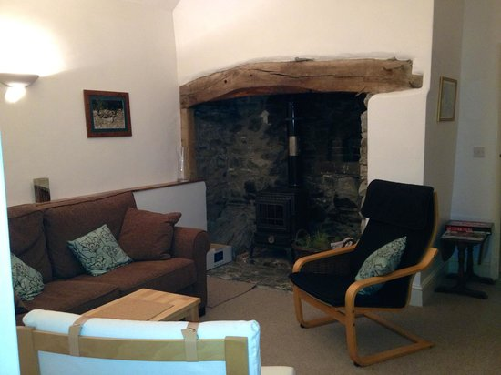 Bodfari, UK: Cosy lounge