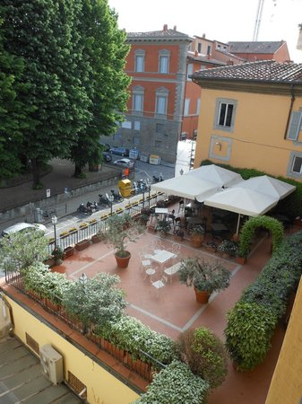 Silla Hotel : View of the roof terrace from our room