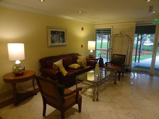 Doral Golf Resort and Spa: lobby in our building