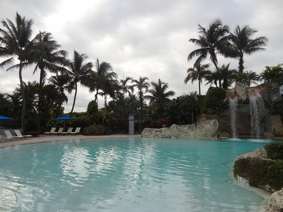 Doral Golf Resort and Spa: lovely pool...