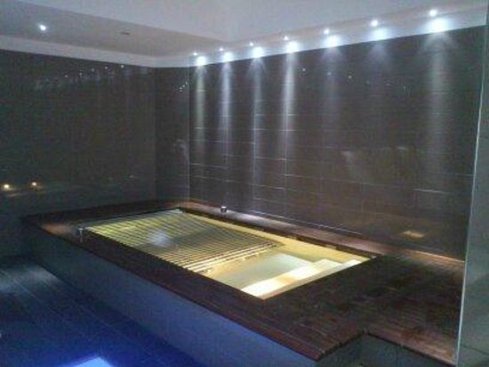 The Hub Hotel : Jacuzzi 