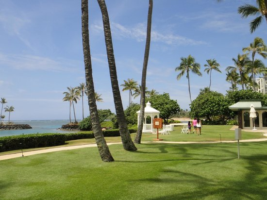 The Kahala Hotel & Resort : Grounds