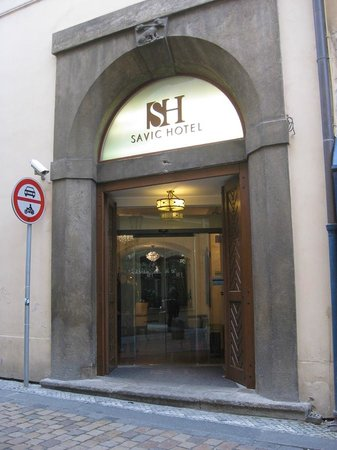 Savic Hotel: Main hotel entrance