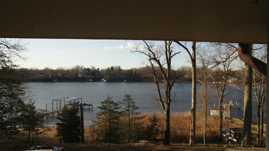 Laurel Grove Inn on the South River: View from the small balcony.