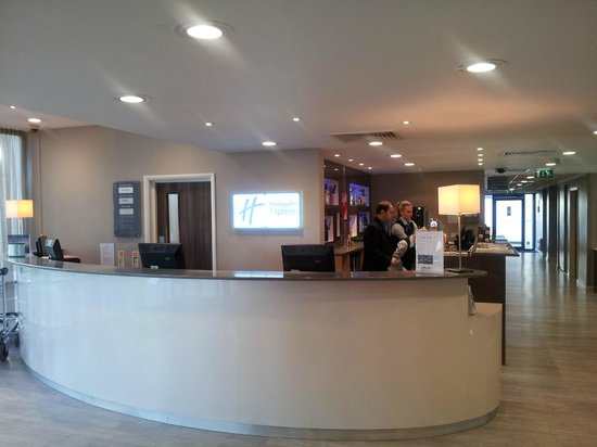 Holiday Inn Express Earls Court : Reception