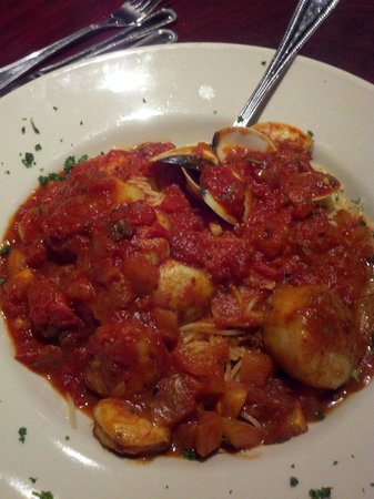 Kernersville, NC: Drop anchor &amp; enjoy delicious seafood in mild diavolo sauce.