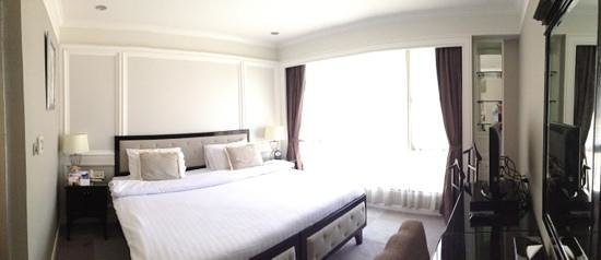 Cape House, Bangkok: Comfy bed.