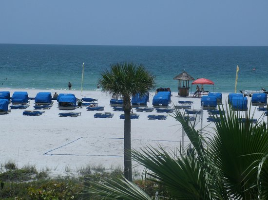 TradeWinds Island Grand Beach Resort: View of the beach from our room