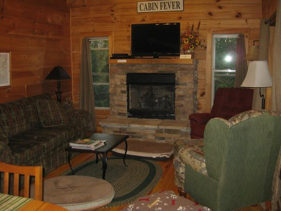 Barkwells, The Dog Lovers' Vacation Retreat: Comfy Living Room at Peppermint Patty's