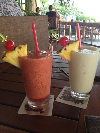 Royal Kona Resort: Drinks at Dons MaiTai Bar
