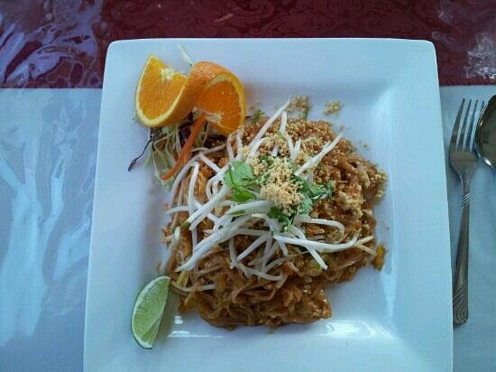 Hermiston, OR: chicken pad Thai