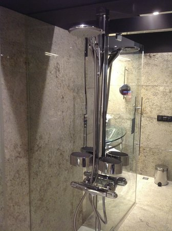 Hilton Madrid Airport: Awesome shower