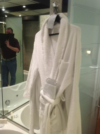 Hilton Madrid Airport : Robes for our use while staying here